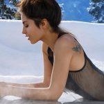 Irina télen sem viszi túlzásba az öltözködést